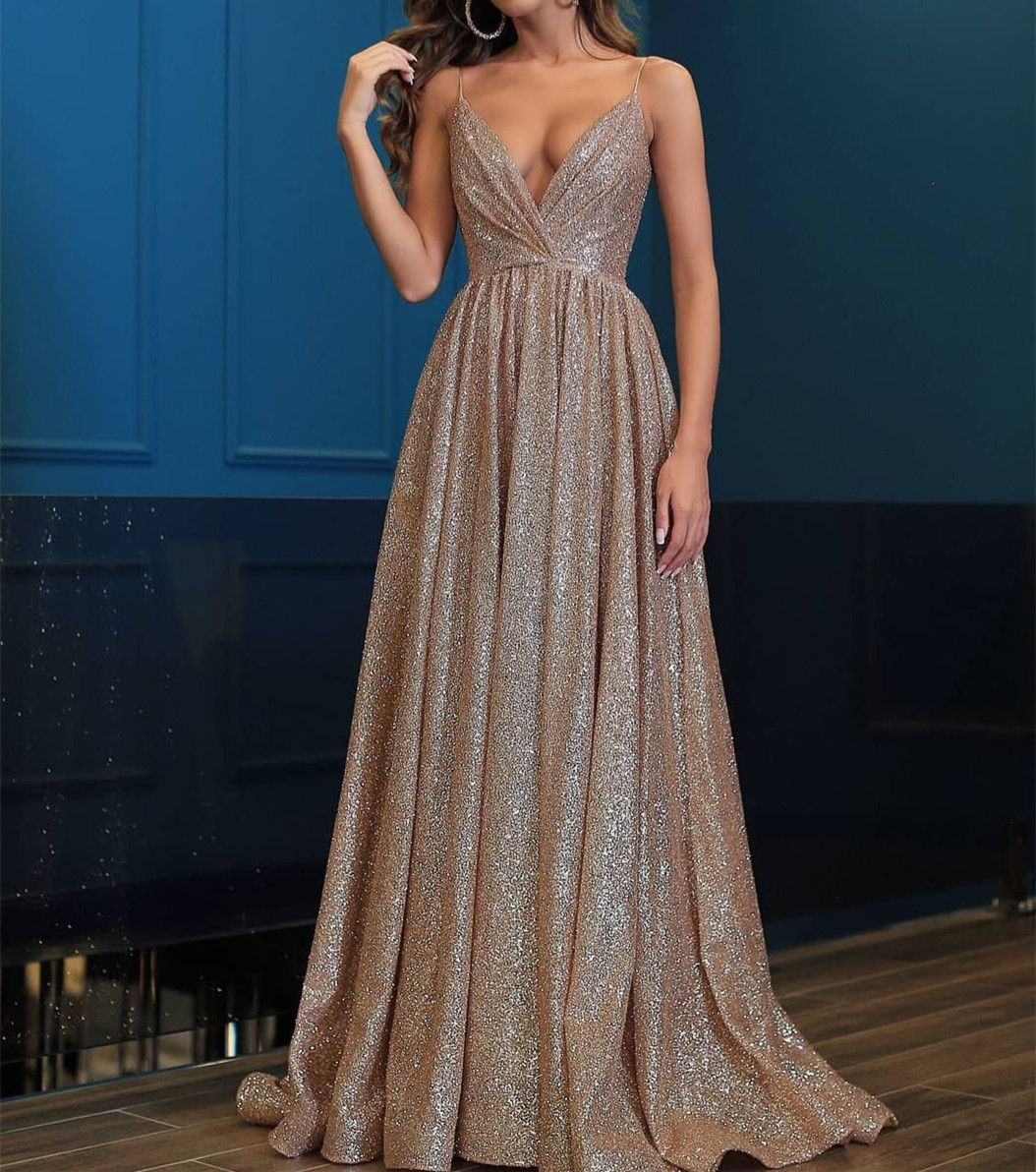4 Myths about Sparkly Prom Dresses Debunked for a Glamorous Appearance